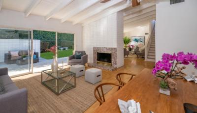 22824 Brenford Street, Woodland Hills, CA 91364 3D Model